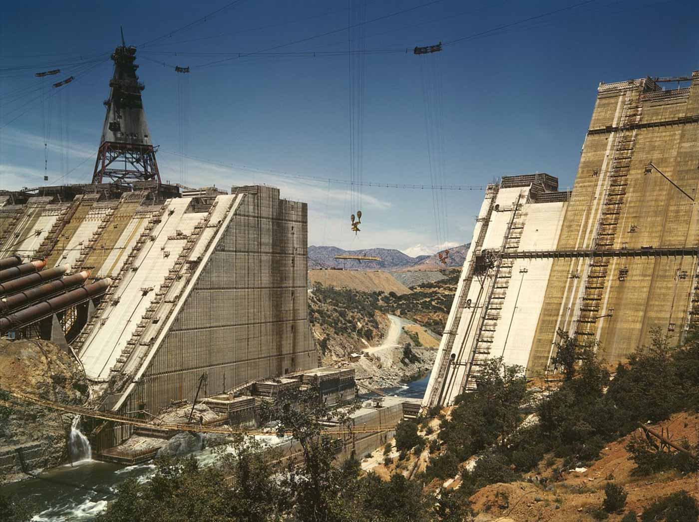 Shasta dam under construction