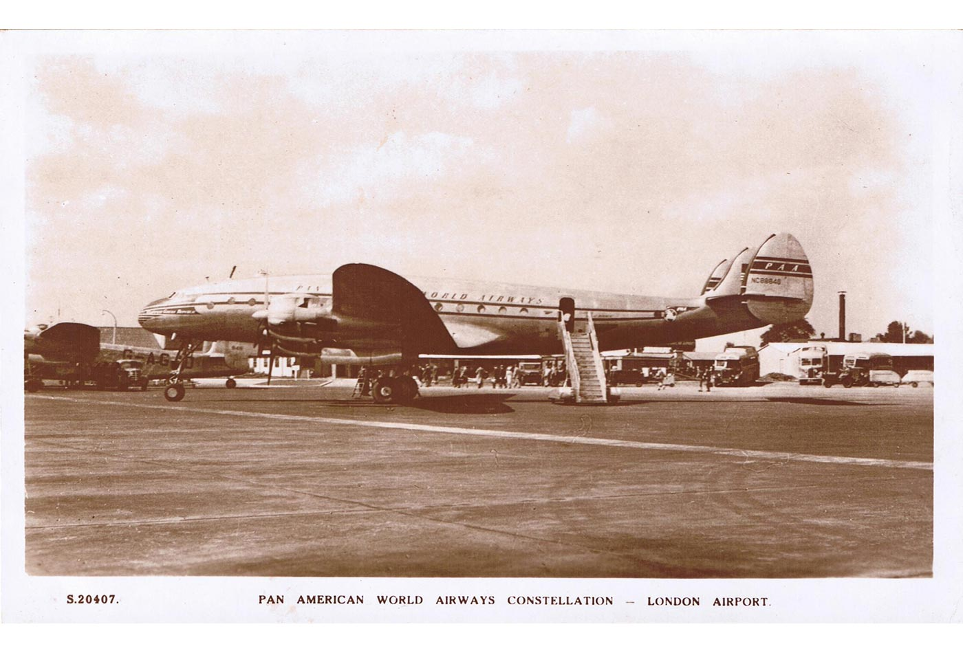 Pan Am L-049 Constellation at London