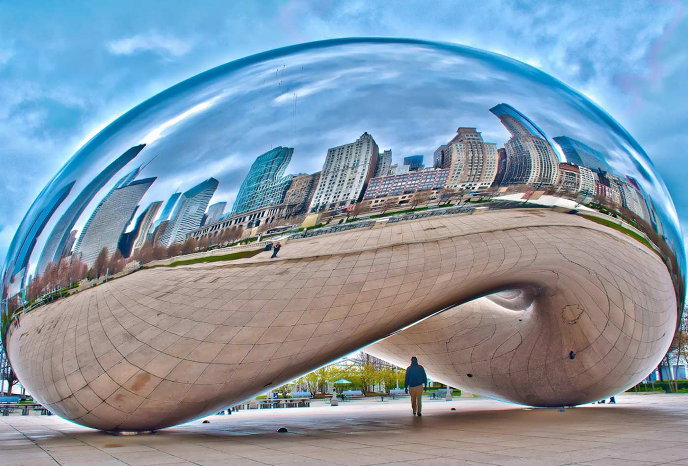 Cloud Gate sculpture in Chicago.