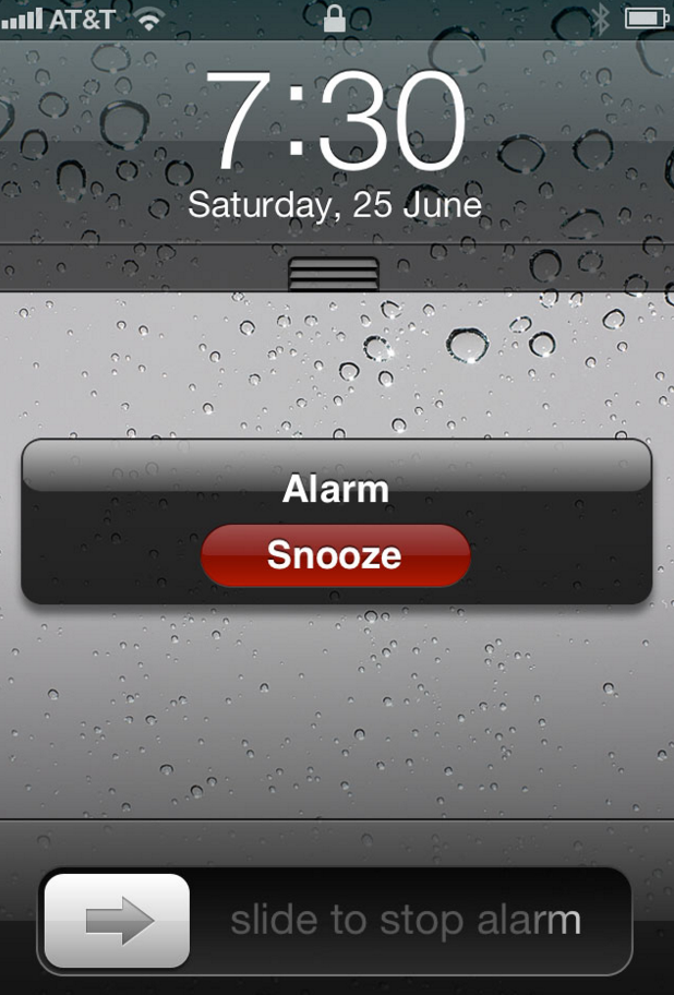 Pre-iOS7 snooze features minimal text and clearly defined tap area