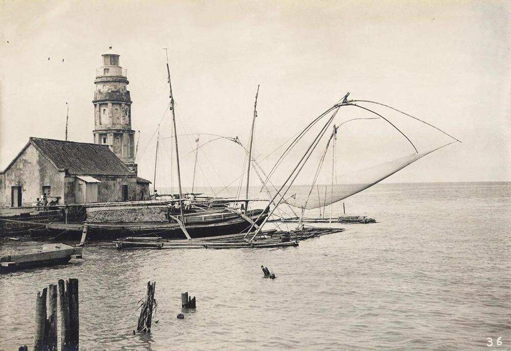 Lighttower and net