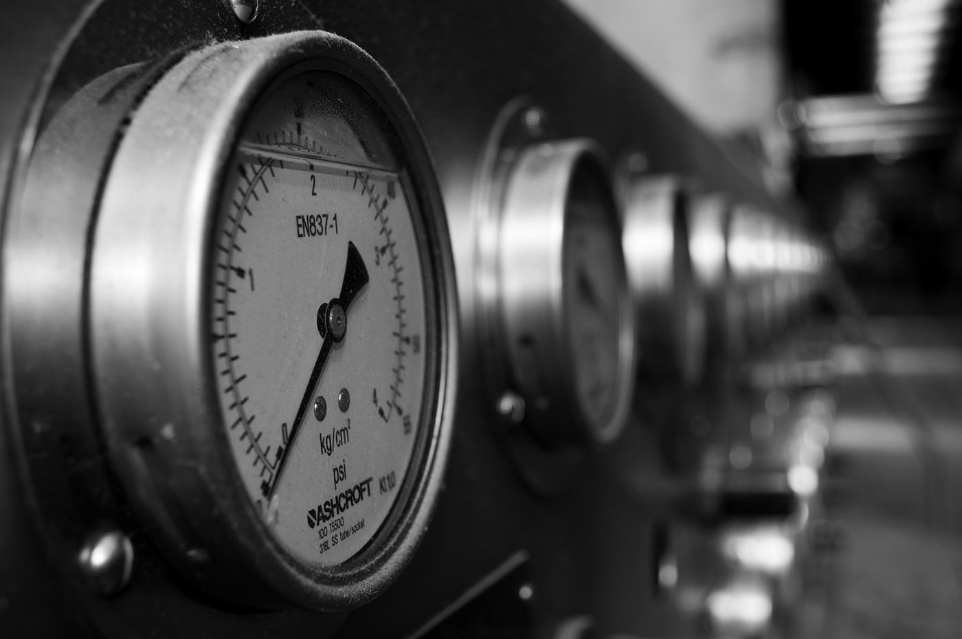 Industrial gauges