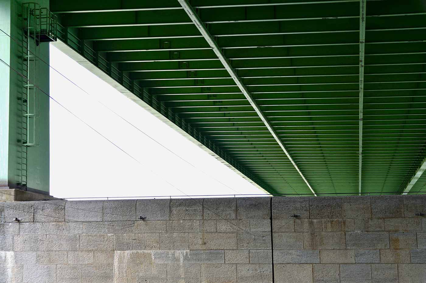 Bridge beam