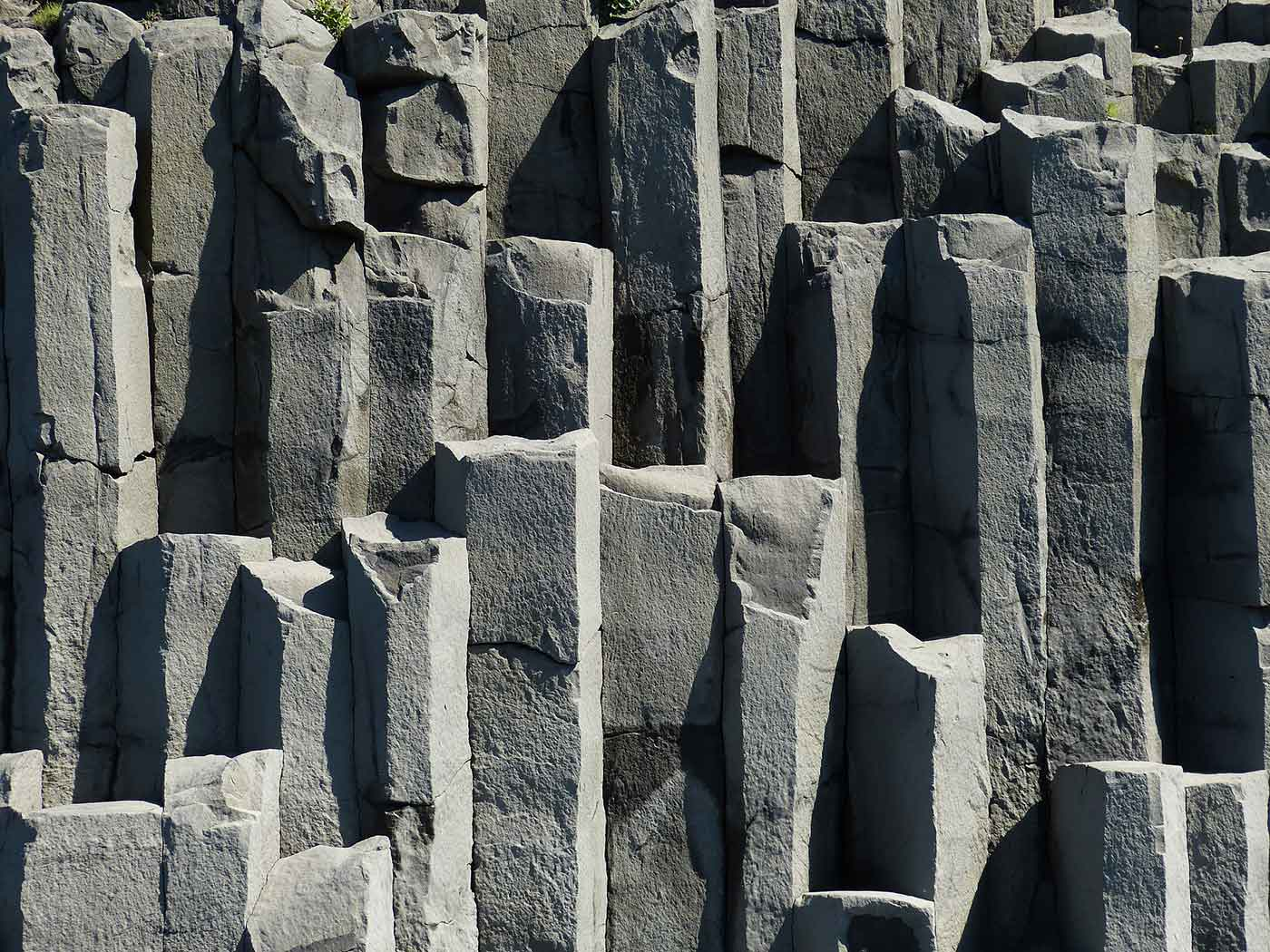 Chipped rocks