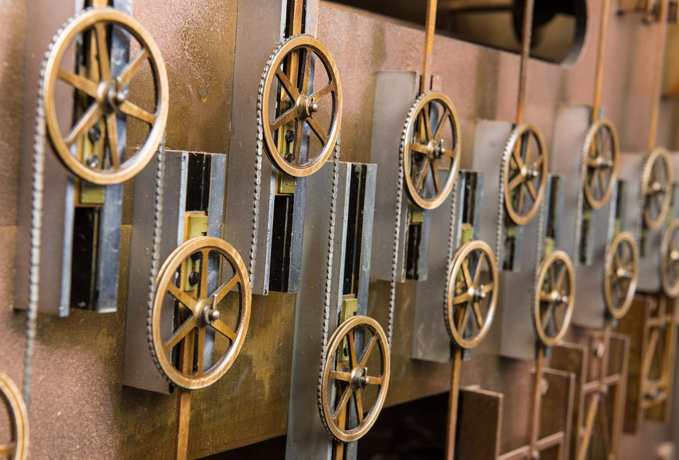 The summation chain around pulleys on Tide Predicting Machine No. 2.