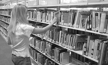 Browsing in a library (image courtesy of http://intergate.sdmesa.sdccd.cc.ca.us/lrc/stacks.jpg)