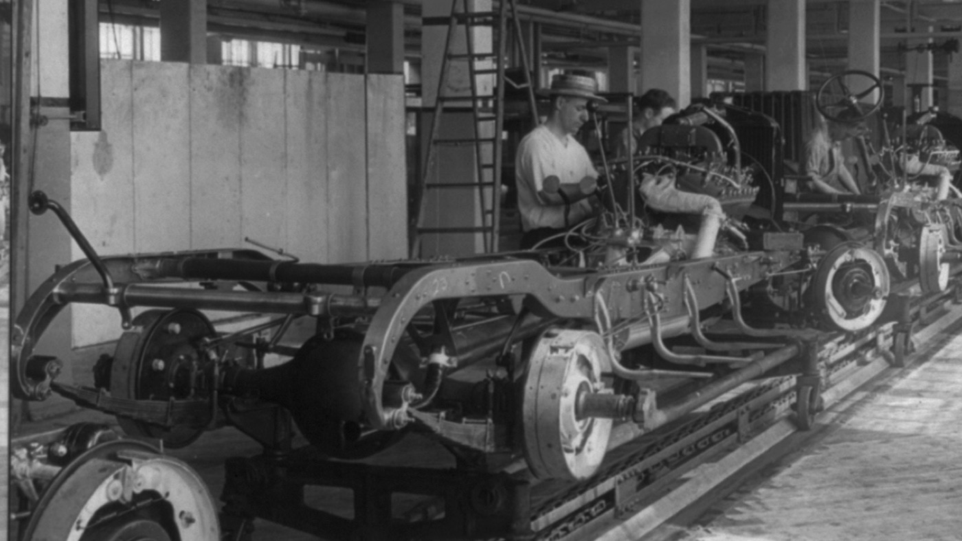 An early auto assembly line