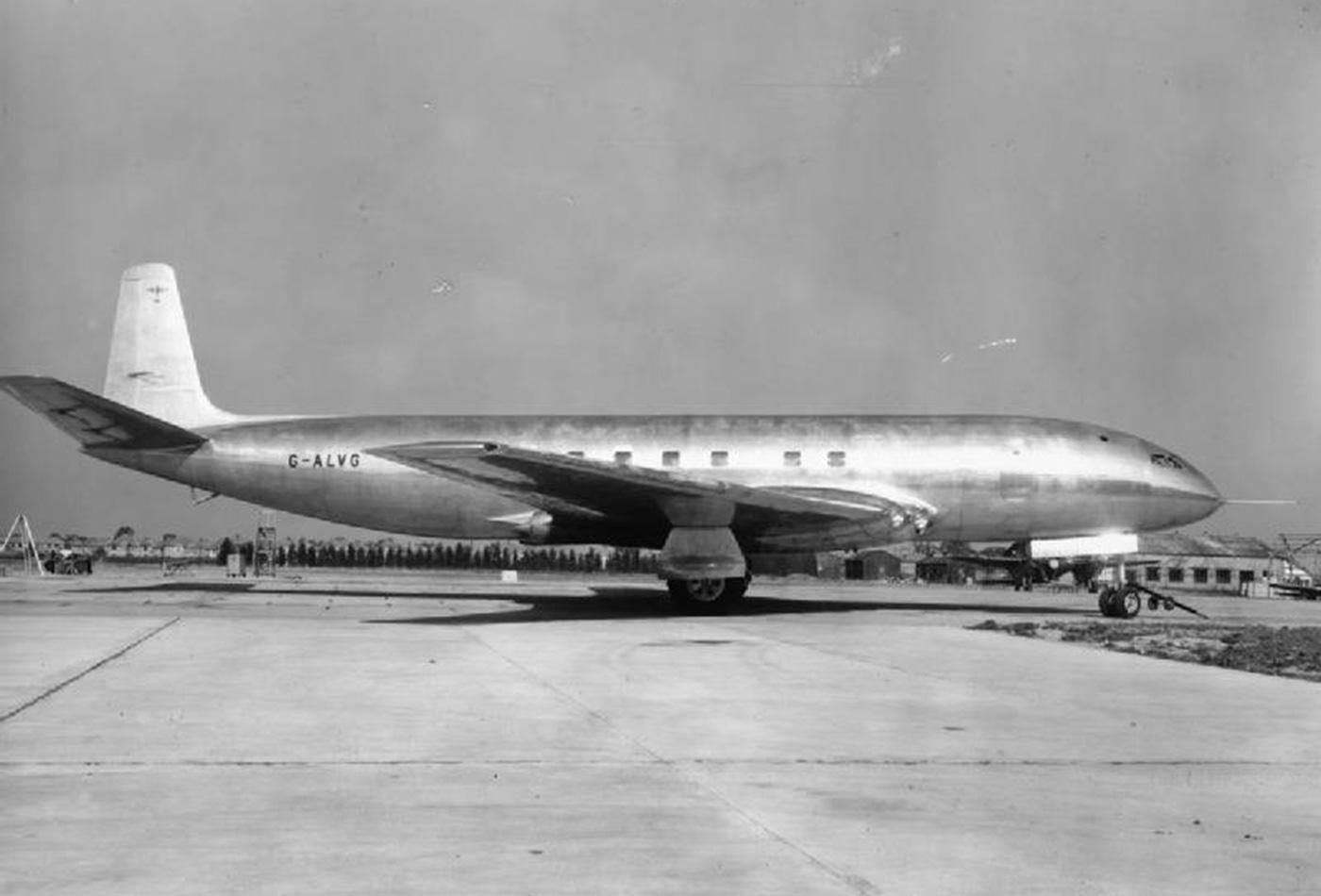 The first prototype de Havilland DH106 Comet at Hatfield, 1949.