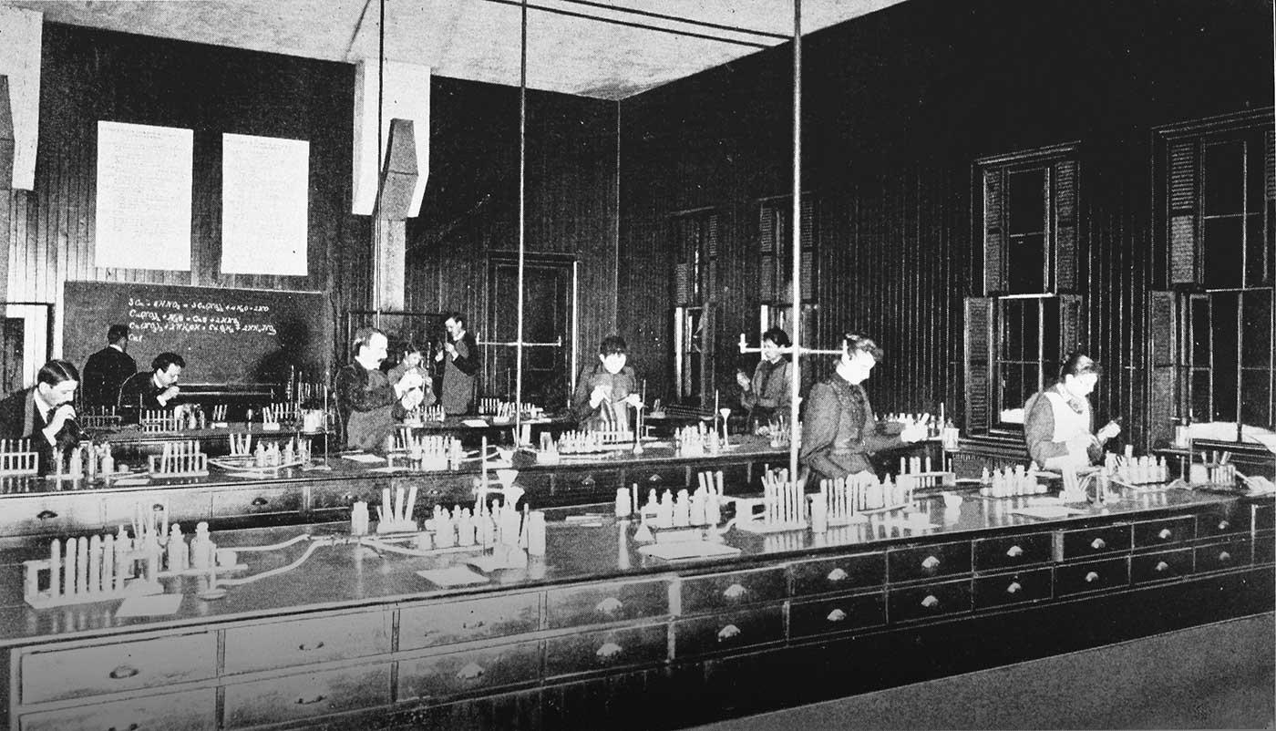 Chemical laboratory at Oswego SUNY, 1893