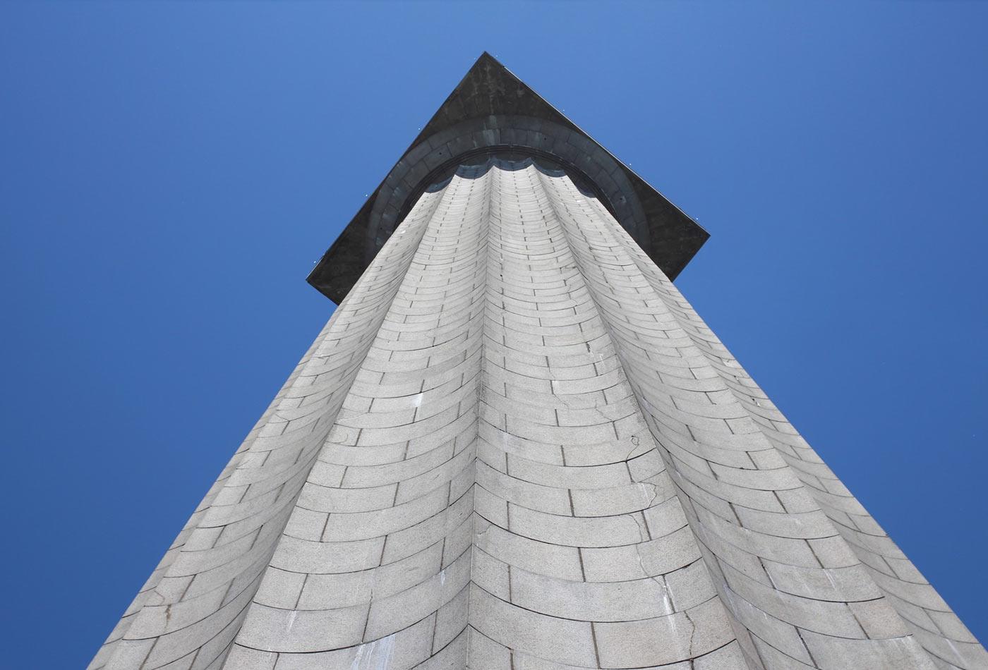 Monument column