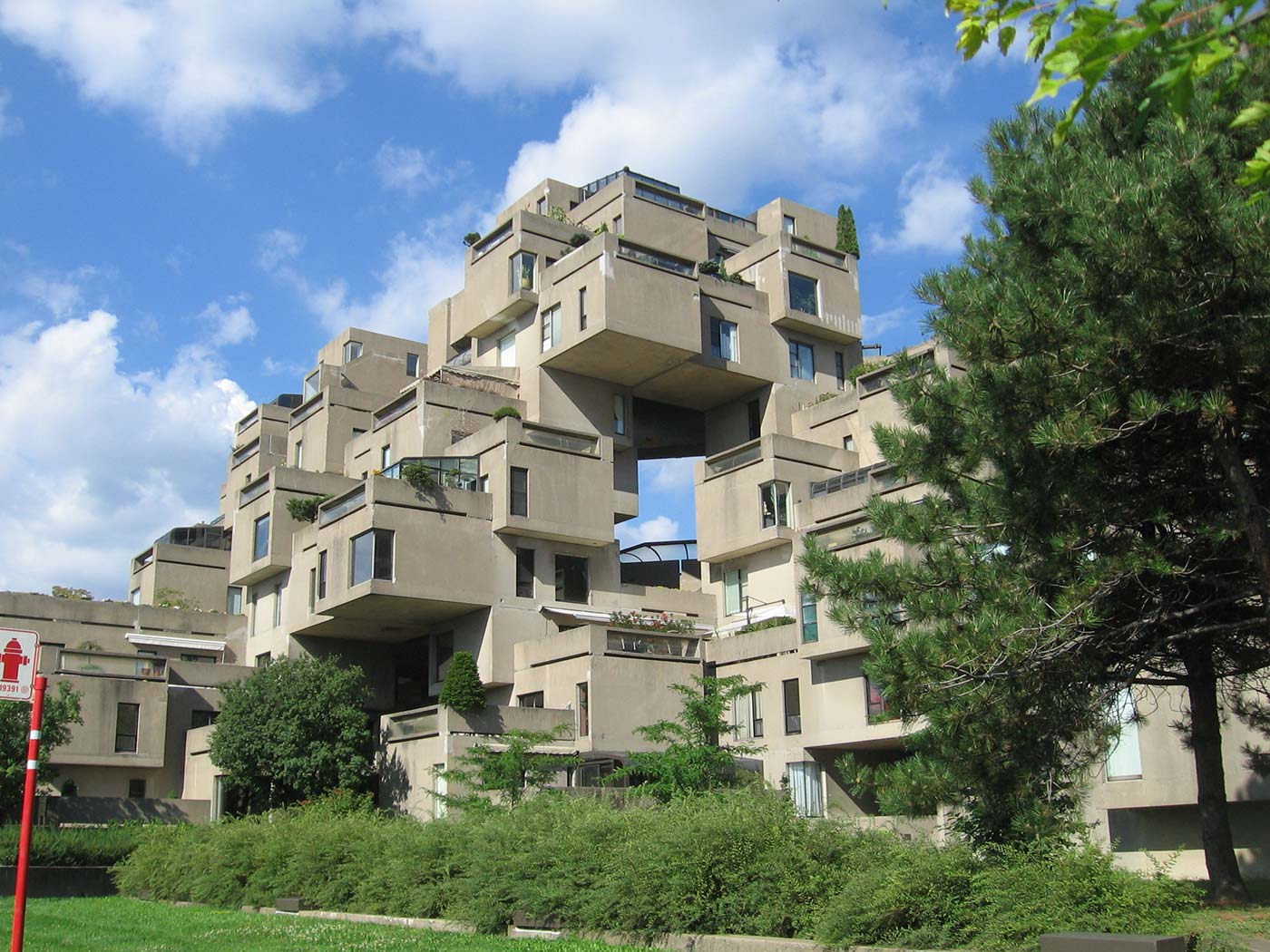 What is Next Architecture - Habitat 67