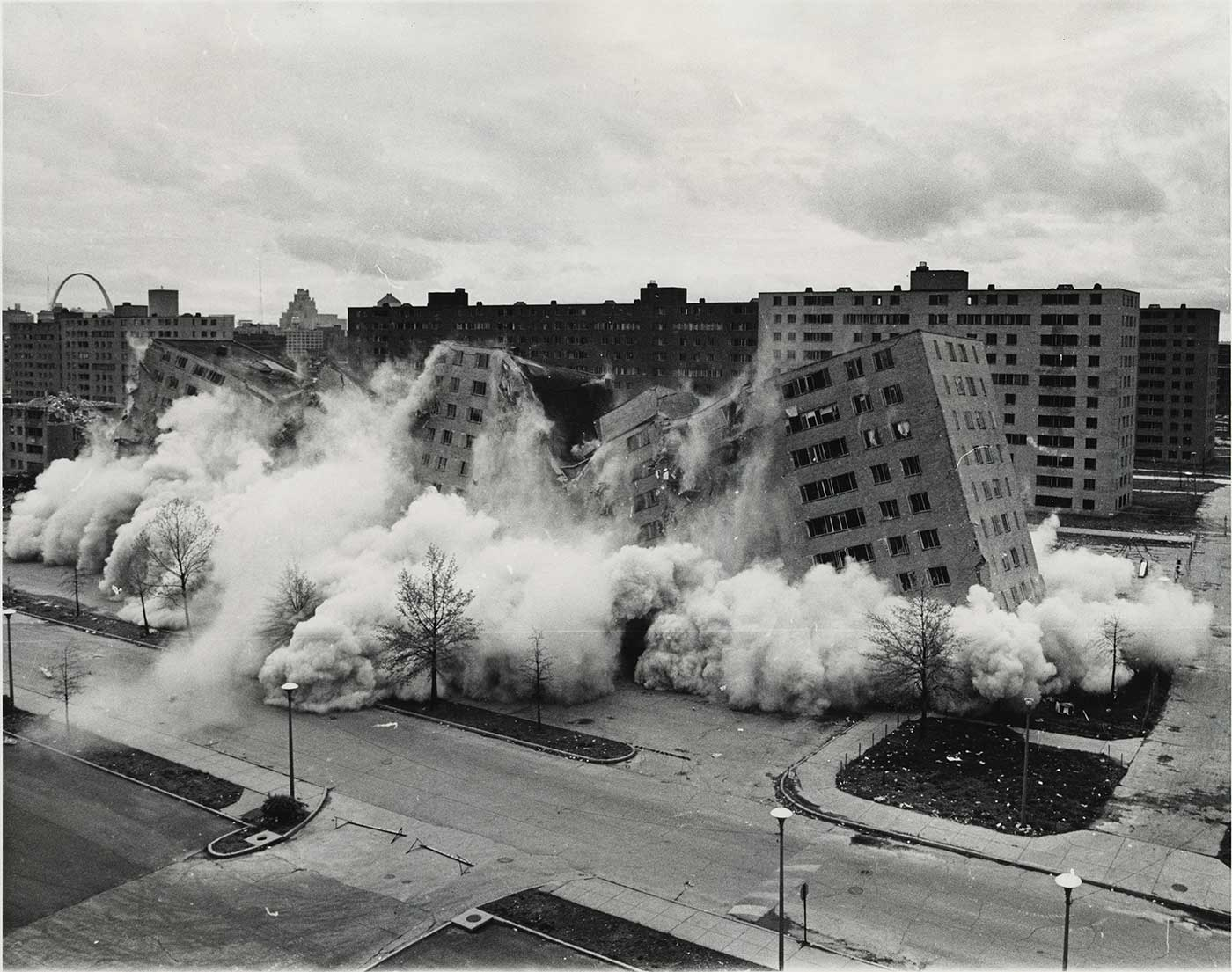 Demolition of Pruitt–Igoe, 1972.